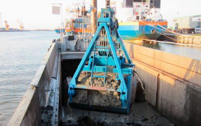 Grab for bulk handling